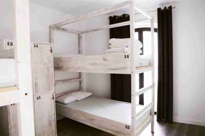 room-surfing-conil-surf-camp-hostel